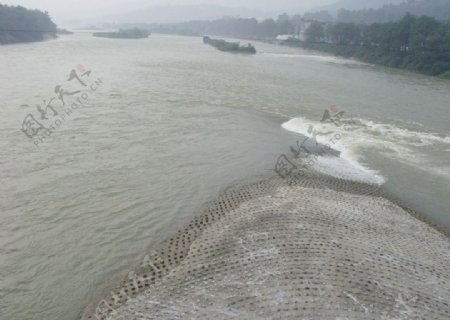 都江堰鱼嘴图片