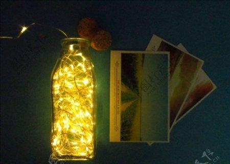 明信片和灯
