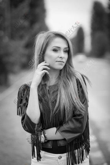 黑白色欧美美女图片