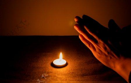 双手祈祷动作商用摄影