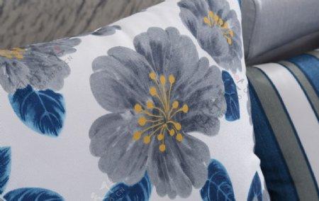 绣花抱枕图片