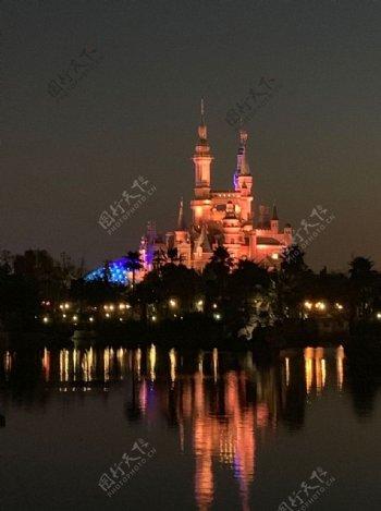 迪士尼城堡夜景图片