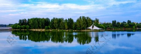 秋水共长天一色蓝天清水图片