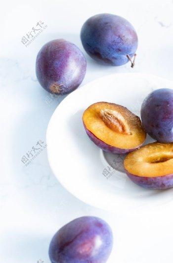 李子水果图片