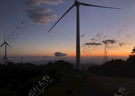 罗定风车山图片