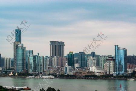 鼓浪屿鹭江畔的高楼大厦图片