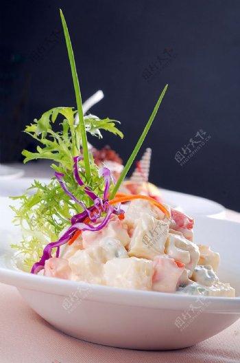 西餐俄罗斯土豆沙拉图片