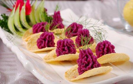 冷拼蓝莓紫薯图片