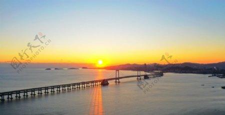 大连跨海大桥的日落图片
