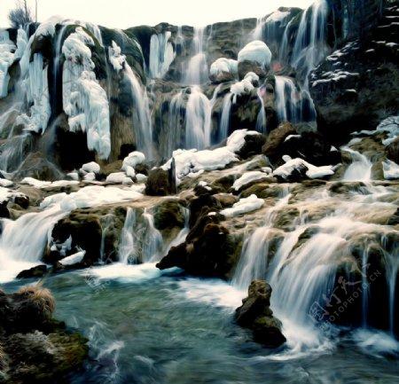 冬雪瀑布油画图片