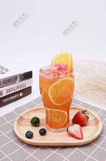 满杯鲜橙橙汁图片